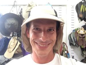 יובל עם כובע1
